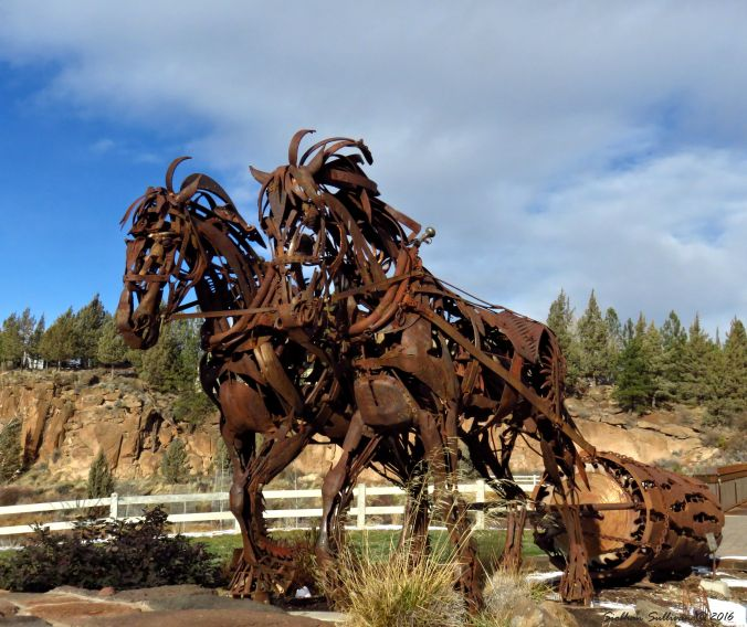 Draft horse sculpture in Bend, Oregon 4Dec2016